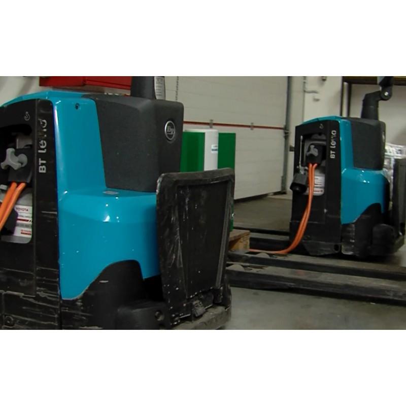 CR - technology - transport - forklift - LION - battery - warehouse - charging