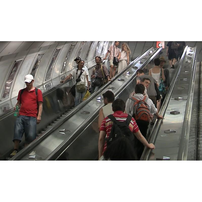 CR - Prague - Subway - Line c - People