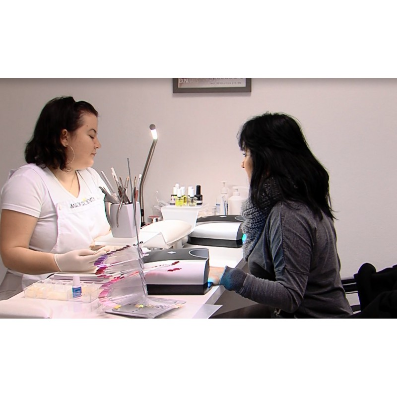 CR - health care - cosmetics - manicure - salon