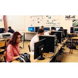 ČR - školy - počítače - studenti
