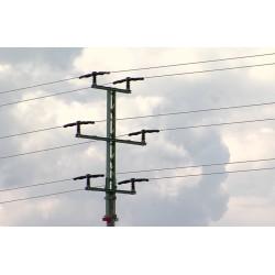 ČR - časosběr - energetika - dráty - vysoké napětí - izolátory - obloha - 1000x zrychleno
