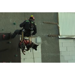 CR - people - teambuilding - jeep - climbing wall - archery - firemen - dogs