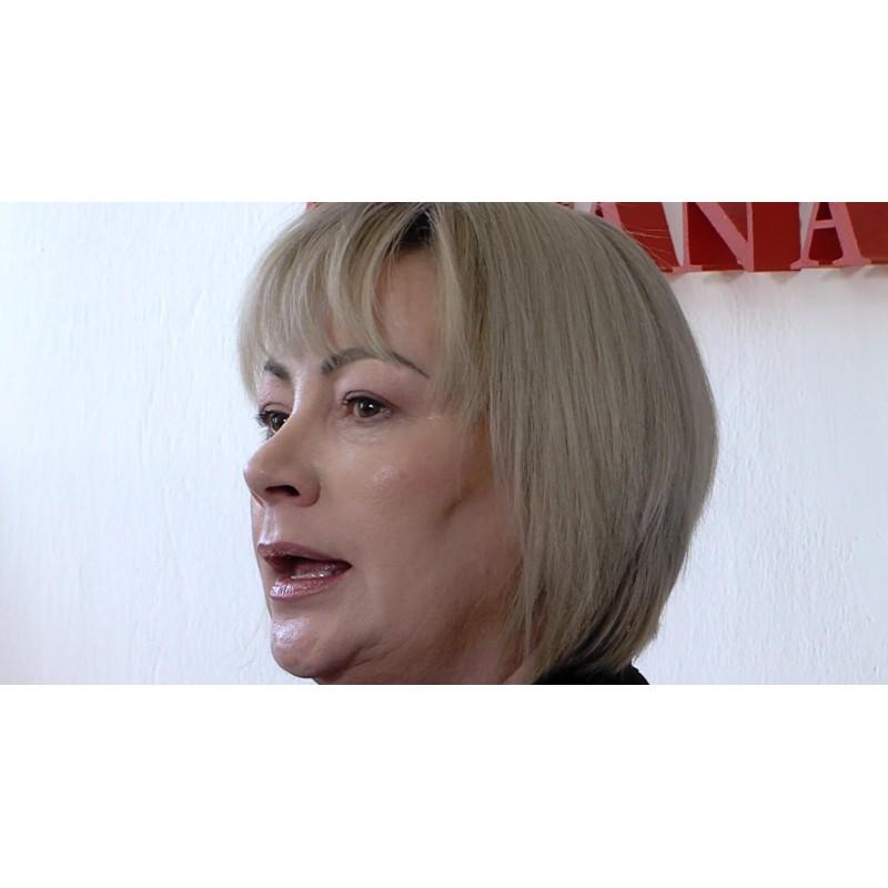 CR - NEWS - people - media - president - campaign - Ivana Zemanová - Miloš Zeman - signature sheet