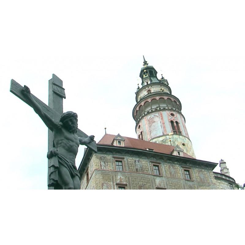 CR - town - Český Krumlov - castle - square - buildings