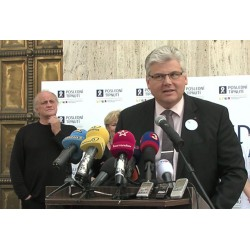 CR - NEWS - Prague - health care - politics - smoking - Miloslav Ludvík - minister