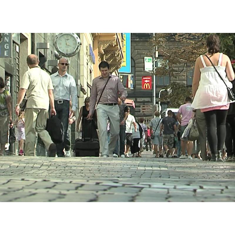 CR - Prague - Wenceslas square - people - center - tourists - Praguers