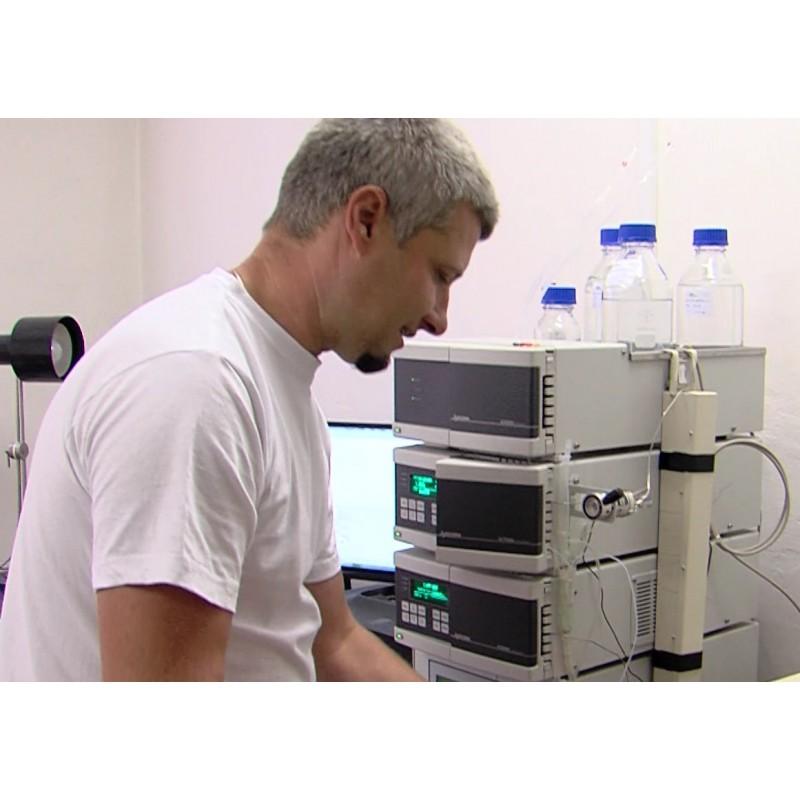 CR - science - laboratory - research - pharmacy - liquid format graph - detector - laboratory technician