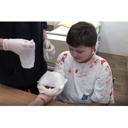 CR - education - vocational school - nurse - bandage - injury - hospital - first aid