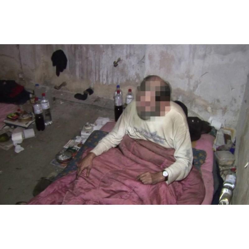 CR - Prague - people - homeless - police