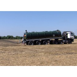 CR - transport - agriculture - tank - cistern - faecal vehicle - faeces - field