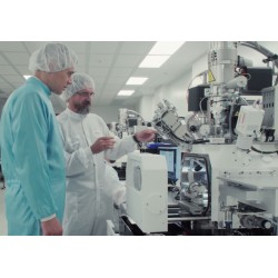 CR - Brno - technology - science - microscope - electron - scientist