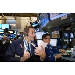 USA - New York - obchod - burza - Wall Street - makléř - burzián