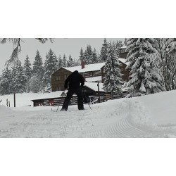 ČR - Krkonoše - Pec pod Sněžkou - lyžaři - běžkaři