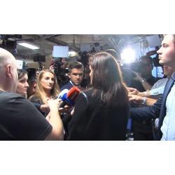 ČR - média - novinář - kameraman - fotograf - mikrofon - reportér