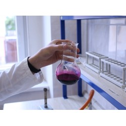 CZ - education - Brod - laboratory technician - chemistry - experiment - test tube - burst