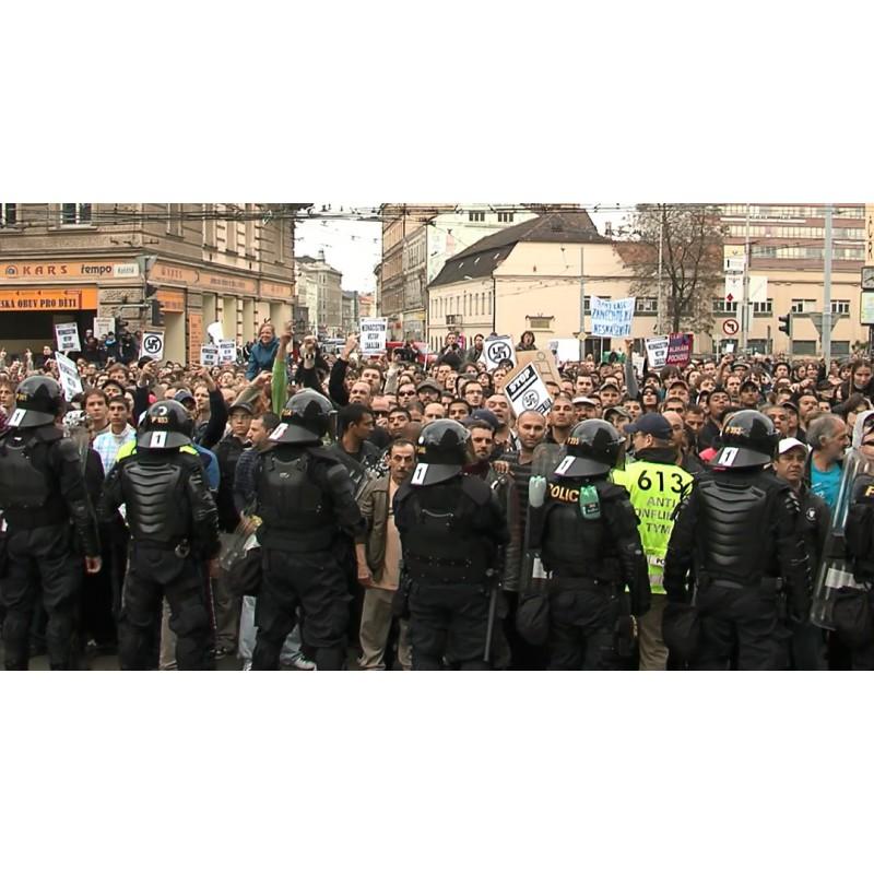 CR - Police - Soldiers - Strike - Arresting - Demonstration