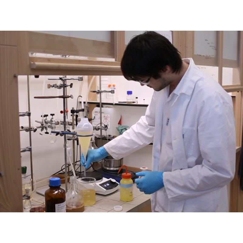 CZ - science - research institute - laboratory - chemist - solution - test tube - experiment - chemicals
