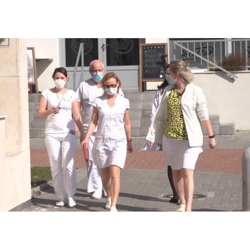 CZ - Prague - health care - mask - respirator - health centre - clinic - airport