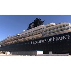 Francie - loď - přístav - cestující