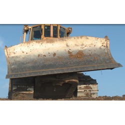 CR - dozer - Caterpillar - dump - landscaping