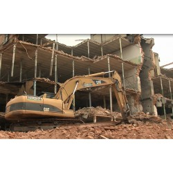 CR - excavator - caterpillar - demolition work