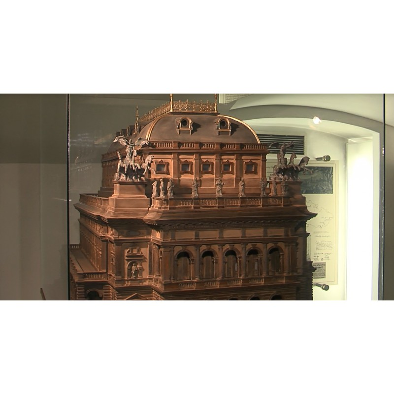CR - Prague - National Theater - technology - photovoltaic panels - engine room - heating