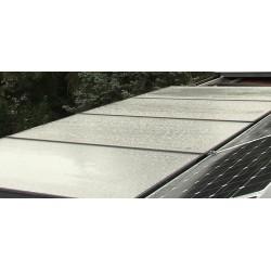 ČR - panelový dům - solární kolektory - bojler